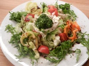 Salat_Bärlauchpesto_Burrata