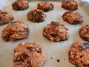Chocolate-Nuts-Cookies_02
