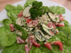 Lauwarmer-Zucchini-Salat_03