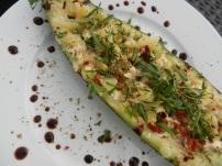 Gefüllte-Zucchini-Tomaten-Oliven-Feta_02
