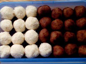 Kokospralinen_Marzipankartoffeln