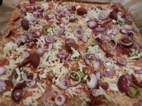 Thunfischpizza-Jalapenos-Oliven_03